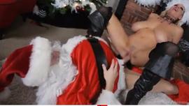 بابا نويل نياك زبه طويل ينيك فتاة ام بزاز من احلى كس ساخن