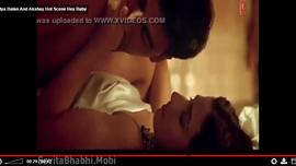 ينيك فيديا بالان في لقطة ساخنة جدا من بوليود الهندي