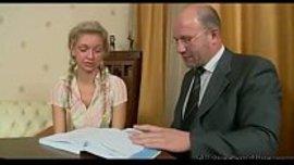 استاذ ينيك روسية شقراء نار في درس خصوصي ساخن جدا حيث سخنت زبه
