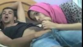 سكس جزائري في فيديو نيك عنيف جديد 2017 مع شاب نياك