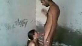 سكس محارم ساخن في فيديو نيك بين اخ و اخته في مكان مهجور