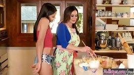 سحاق المطبخ مع متزوجات سحاقيات مزز