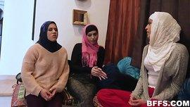 سكس جماعى عربي نيك محجبات عرب نيك عنيف بزب اسود