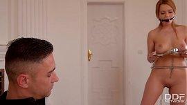 افلام سكس اغتصاب طيز الخادم يغتصب طيز اخت رب المنزل
