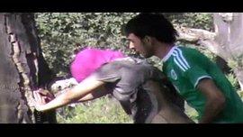 نيك عربي علني في الحديقة و شاب مع حبيبته على الواقف