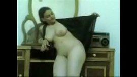 فيلم سكس مصري قديم وطويل قصة حب تنتهي بالنيك