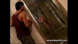 النيك في الحمام مع عشيقتي الممحونة في فيديو سكس 2015