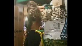 موظف في كارفور ينيك شرموطة في المخزن