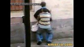 مغربي سكران ينيك شرموطة في الطريق العام
