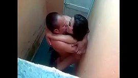 دكتور زانق زميلته في المستوصف في الحمام ونازل فيها نياكه