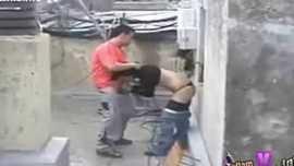 مصري ينيك جارتة الشرموطة علي سطح البيت في الكس بعد ما تمص زبه