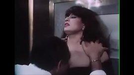 الراقصة فيفي عبده في مشاهد ساخنة بوس و تفريش وسكس ملتهب جدا