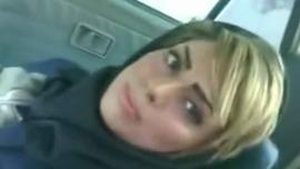 سكس يمنى شرموطة يمنية تتناك فى السيارة بكسها المحلوق