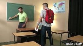 سكس لواط المدرس المشعر ينيك الطالب الشاذ بقوة