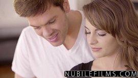 ترضع له زبه ثم يلحس لها كسها و ينيكها نيك مثير