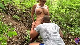 سكس اجنبي جديد في الغابة شاب ينيك صديقته الثلاثينية بجودة عالية