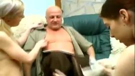 رجل عجوز ينيك شاب الأفلام الإباحية العربية