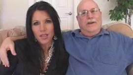 الزوجان الشجعان ، براندي لوف وزوجها الوسيم ، يمارسون الجنس مع زوجها أمام حبيبها
