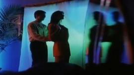 تحب شيري سونين ممارسة الجنس مع صديقها المثلي ثم تمتص سروالها الداخلي