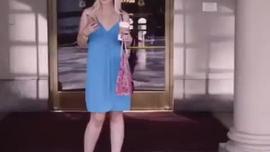 يمكن للفتيات الغنيات الساخنات سحب الكاميرا ذات الدهون الكبيرة بدلاً من إنشاء مقطع فيديو