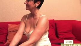 جميلة جبهة مورو مع الثدي ضخمة ، لولا فوكس ركوب ديك كبيرة ويئن أثناء كومينغ