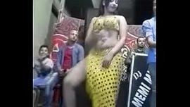 شرموطة مصرية ترقص سكسي ساخن بزاز نار – سكس مصري