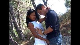 سكس في الطبيعة في الجبال المثلجة مع الفتاة السكسية الحارة