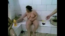 تصوير نسوان عرب عاريات آخر شرمطة في حمام تونسي الفيديو الإباحية