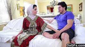فيلم سكس عربي نار مع الموزة المحجبة نادية علي أم جسم ملبن تتناك من فحل أبيض