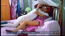 أجمل قبلات مشاهير السينما المصرية و سكس اغراء مثير جدا