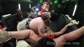 حفلة سكس جماعي في الاتوبيس مع زوجات سمينات هيجانات من الوزن الثقيل