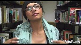 مايا خليفة مثقفة تتناك في المكتبةب أوضاع نار