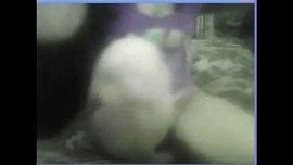 فيديو منقبة عارية تكشف بزازها و جسمها امام الكاميرا