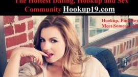 أحمر الشعر الحلو وصديقها قرنية يلعبون مع ألعاب الجنس التي حصلوا عليها للتو