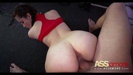 فتاة الحمار كبيرة تريد ممارسة الجنس كثيرا