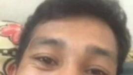 مشاهدة رجل يمارس الجنس مع سن المراهقة سيئة ضيق كس وردي صغير مع حزام على الديك
