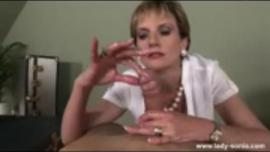 سيدة عارية سونيا ، مع إطار يحب عارية الصدر تحفزها على الحصول على قضيب صلب في الوقت المناسب