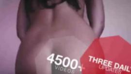 مراهقة رائعة ، أبيلا دينجر تمارس الجنس في وضع هزلي في سريرها الضخم