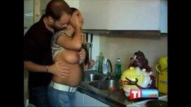 نيك محارم قديم اخ هايج مع اخت ممحونة كيفها نيك فى المطبخ