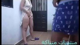 محارم عربي جديد شاب مصري ينيك مرات ابوه نيكه مستعجله