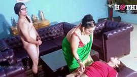 المعلمة الشرموطة تعمل سكس جماعي - سكس هندي