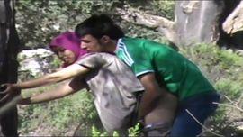 بنوتة سورية تتناك في طيزها في الحديقة